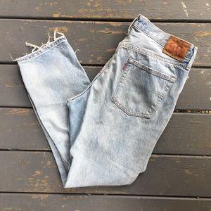 Levi's 501 Light Wash Distressed Jeans 32/32